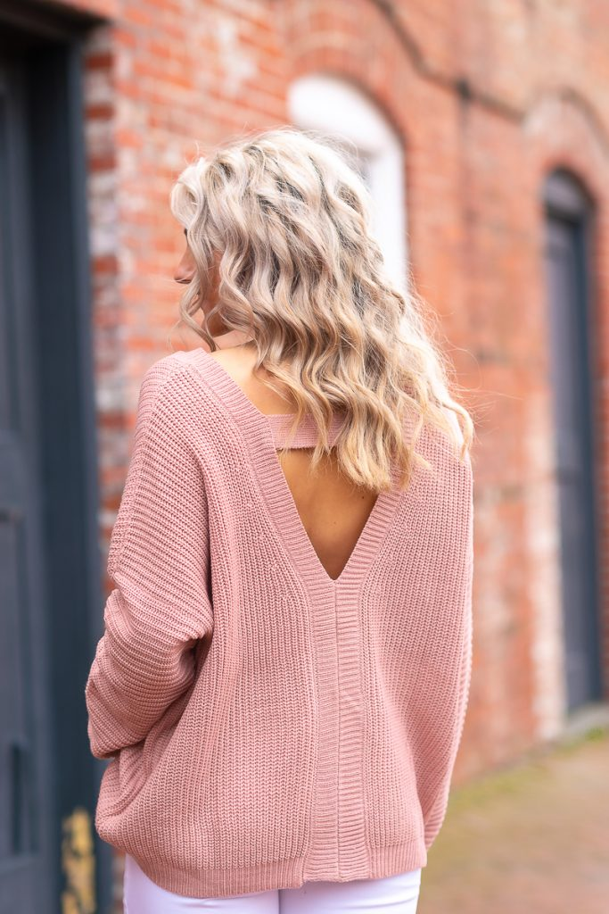 valentine-day-outfit-galentines-day-party-ideas-cute-outfits-winter-womens-outfits-chelsea-adams-blog-chasing-chelsea-edited 9 (1 of 1)-norfolk-va-morgan-renee-photography 3