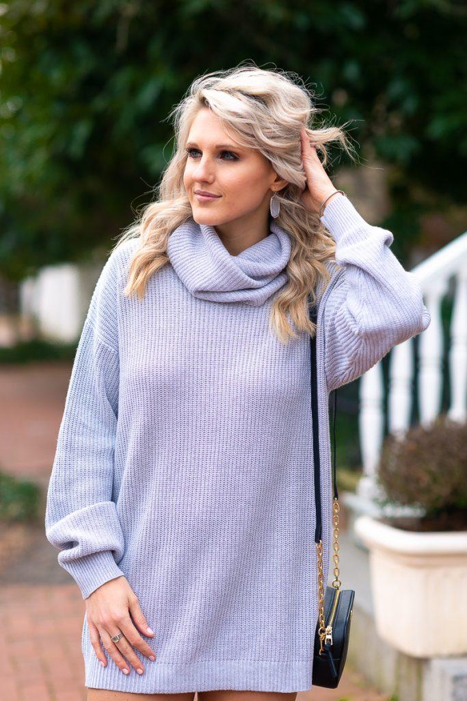 winter-fashion-pinterest-2019-loose-sweater-dress-gray-chelsea-adams-blog-revolve-dress-lenox-dress-turtleneck-winter-outfit-idea-2019-loose-sweater-dress-womens-look-3-tory-burch-crossbody